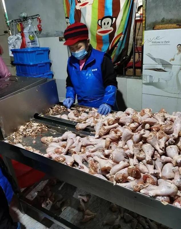 变质鸡腿流向炸鸡连锁店现场图片曝光令人作呕