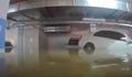 车库被淹洪水完美倒车入库怎么回事 在洪水的漂浮下倒车真强
