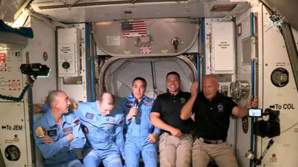 龙飞船两名宇航员进入国际空间站 他们在太空停留多久?怎么返回?