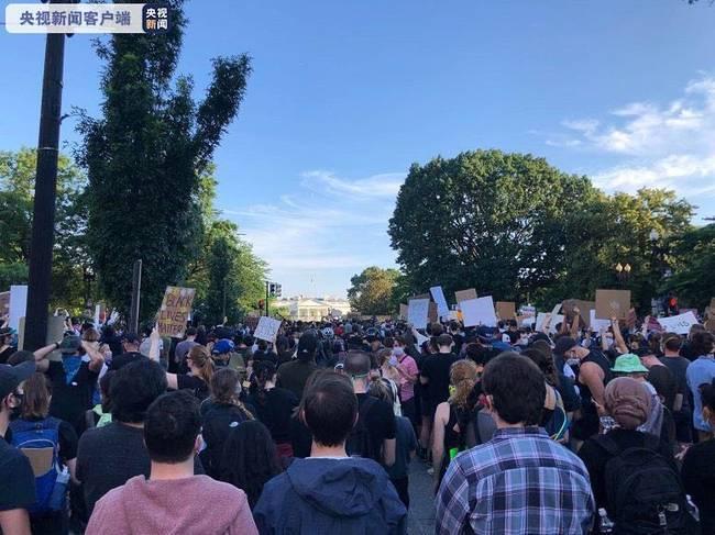 美國強力驅散示威者 特魯多回避批評特朗普 沉默21秒