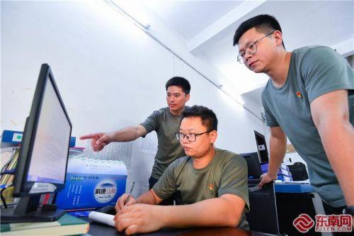 《习近平在福建》进一步激发福建省干部群众干事创业精气神