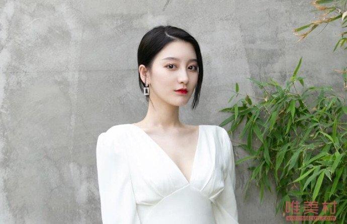 李熙凝方否认与嘉羿恋情 视频中与嘉羿被拍的女子金尤美吗?