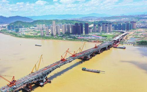 道庆洲大桥跨江主桥成功合龙