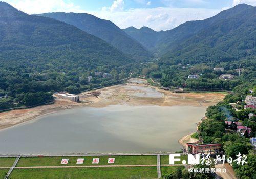 """福州八一水庫""""清腸""""完成 清出12.6萬立方米淤泥"""