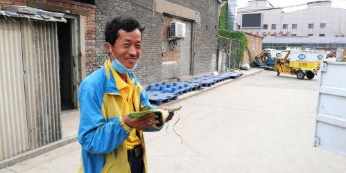 北京疫情下的苏宁火箭哥众生相:正常为市民配送