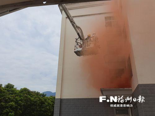 闽侯公路部门开展消防安全联合演练