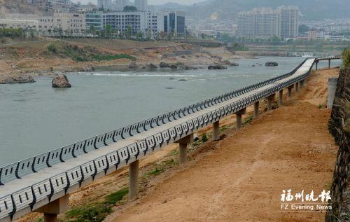 架空段用独桩设计方便排水更好抵御洪水
